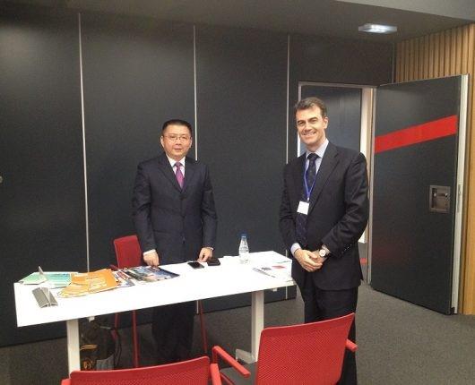 Díaz de Villegas 认为中国大学对在西班牙的合作很感兴趣