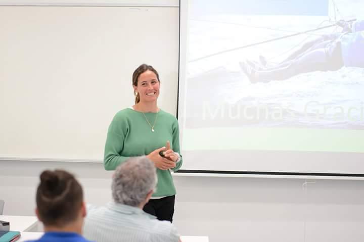 优内西洋大学在校学生贝尔塔·贝坦索斯在里约奥运会帆船项目中获得名次