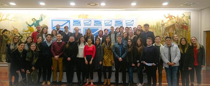 50多名UNEATLANTICO学生参加了Ramón Tamames关于英国退欧的会议