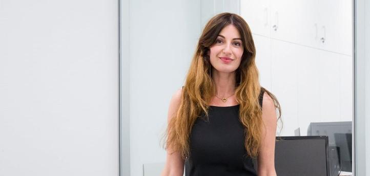 UNEATLANTICO的副校长Silvia Aparicio解释了大学的在线课程的授课模式和课程安排