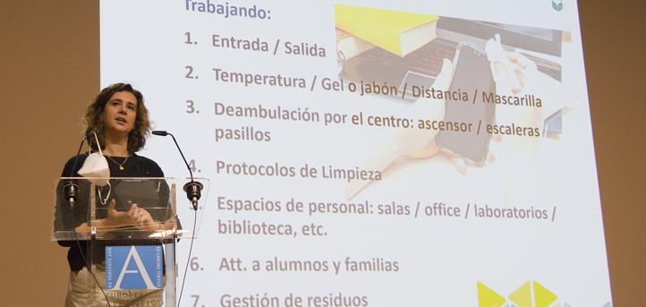UNEATLANTICO所有教职人员接受了有关在工作场所针对COVID-19应采取应对措施的培训课程