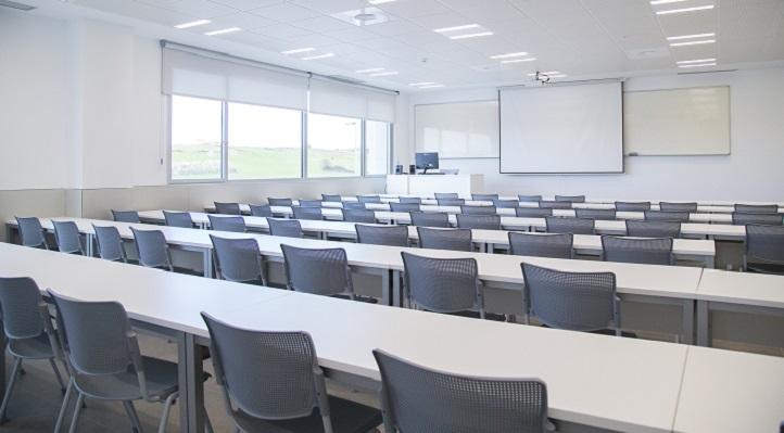 在采取安全措施的情况下,7月将进行第二学期的线下考试模式。