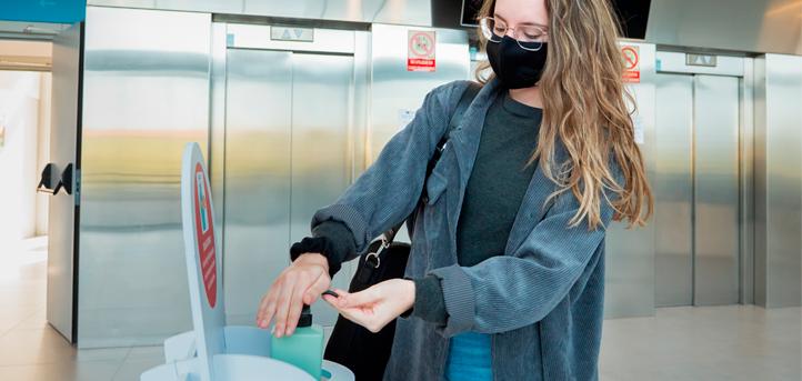 UNEATLANTICO的学术活动根据卫生当局制定安全和卫生措施有条不紊的进展着